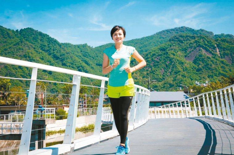 生病後,邱議瑩開始規律運動,她喜歡流汗的感覺。 圖/邱議瑩提供