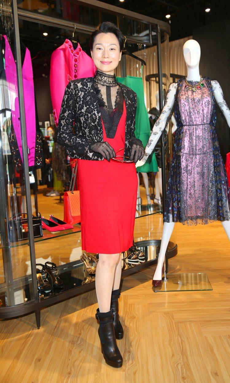 堂娜身穿最新一季LANVIN新裝,為台灣首家OUTLET店剪綵。記者陳正興/攝影