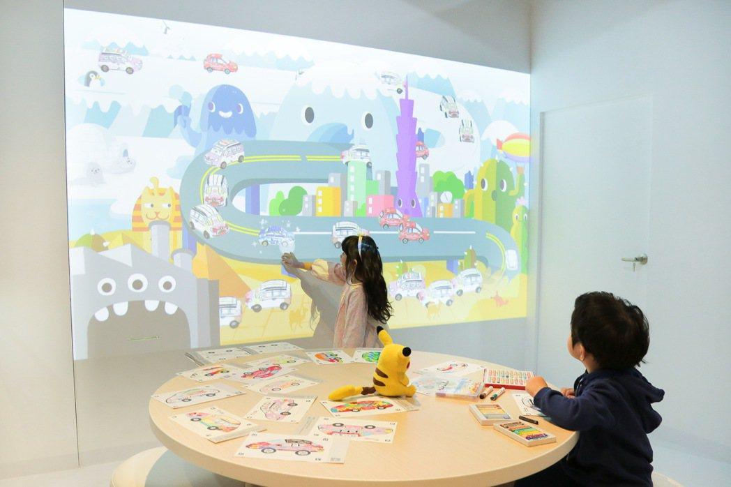 LUXGEN GENIUS+體驗館打造「智趣體感兒童互動區」,現場提供 LUXG...