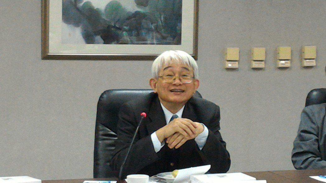最高法院院長鄭玉山感嘆案件量太大。記者蘇位榮/攝影