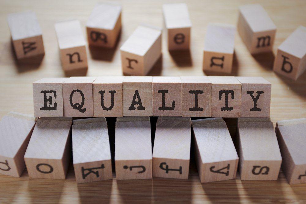 所有人都既受歧視,也歧視別人。我們如能了解自己所受的歧視,就更能反省自己看到別人...