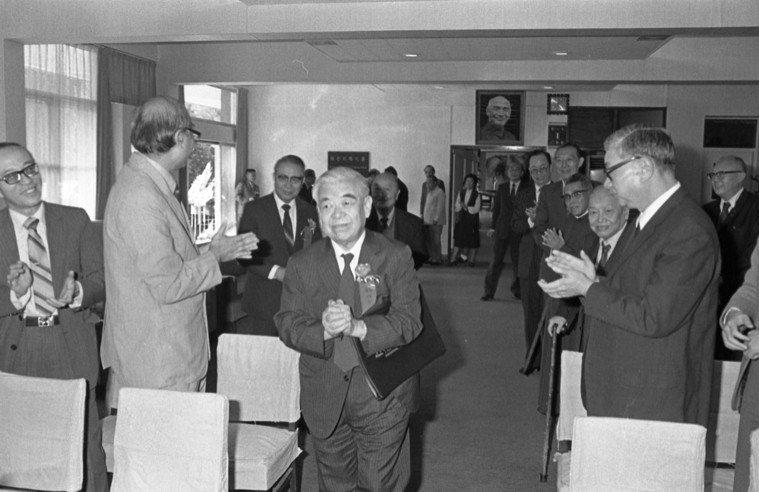 吳大猷接任中央研究院第六任院長,並於1993年成立「分子生物研究所」和「生物醫學...