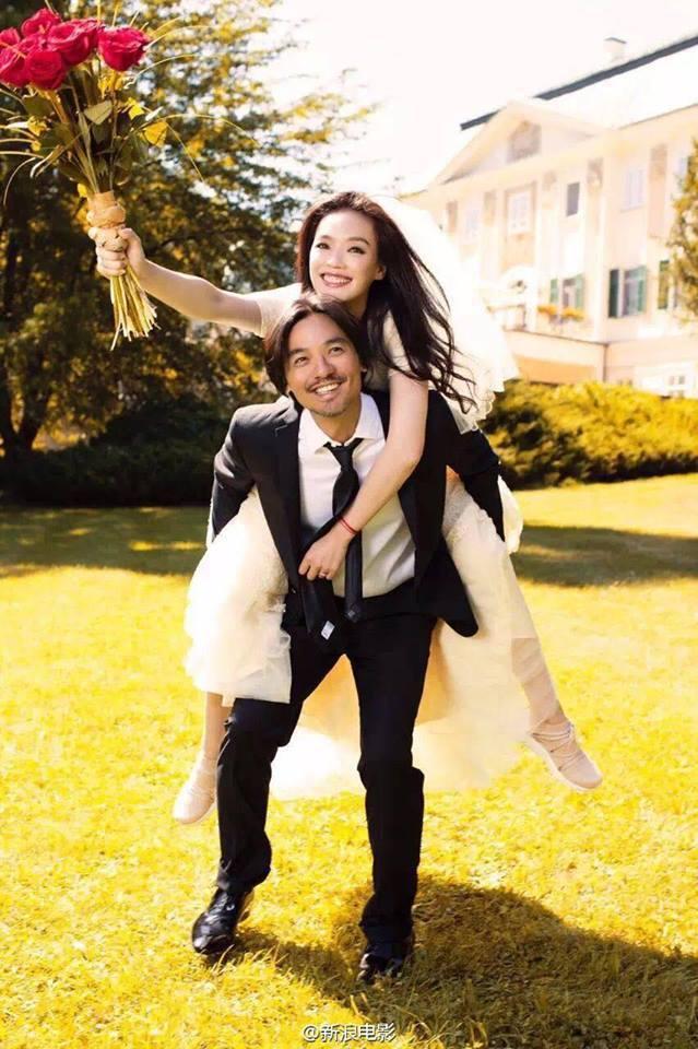 舒淇和馮德倫的婚紗照相當幸福。圖/取自新浪