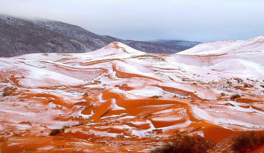 相隔37年後撒哈拉沙漠再度下雪。 圖擷自dailymail