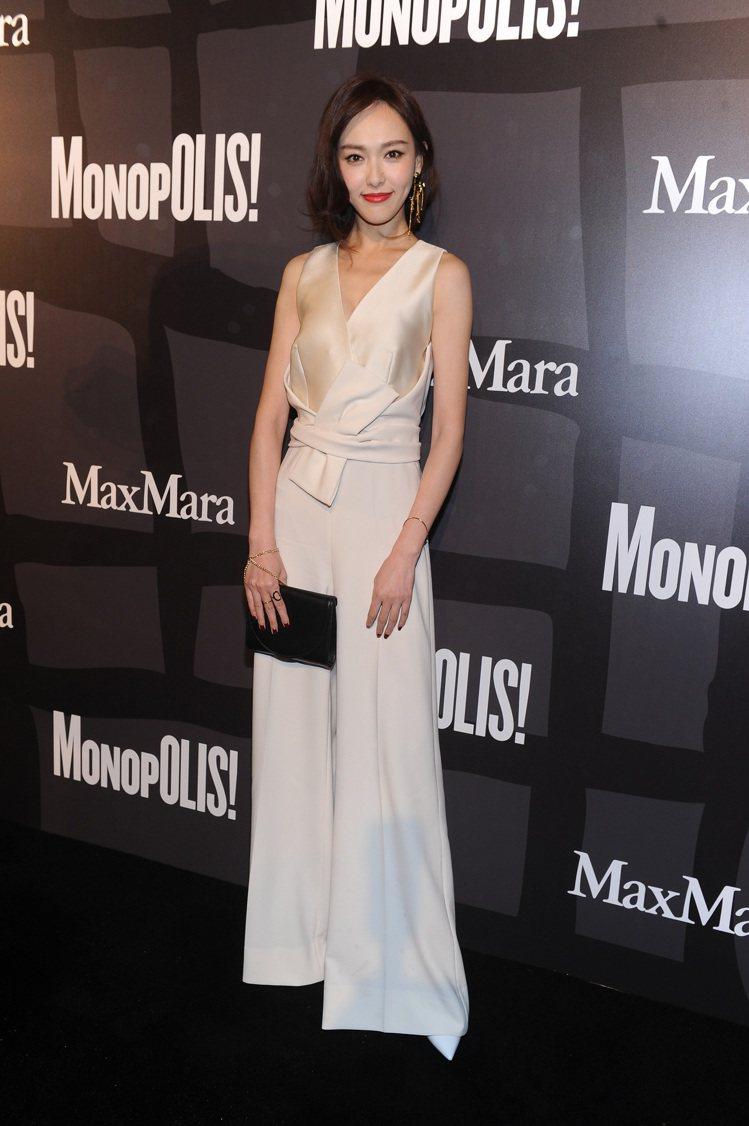 唐嫣身著2017春夏禮服出席Max Mara上海走秀。圖/Max Mara提供