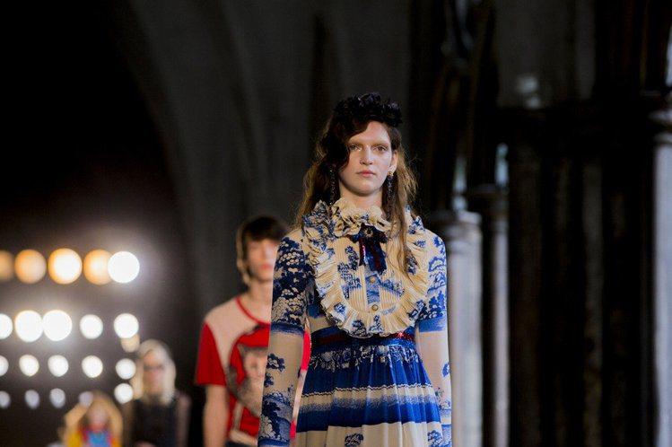 Gucci在2017年之後會以合併男女裝發表的模式參與時裝周。不過在此之前,品牌...