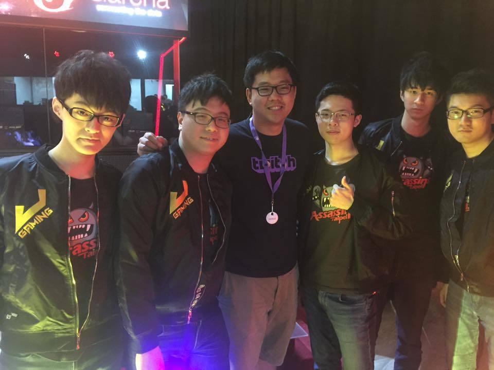 負責審核台灣Twitch訂閱夥伴的吉祥跟電競圈、電玩圈許多人都是好友。
