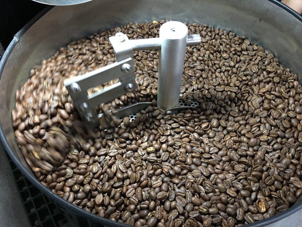 根據宏都拉斯咖啡協會的一份報告,2015-2016收成年度,宏國咖啡輸美國、墨西...