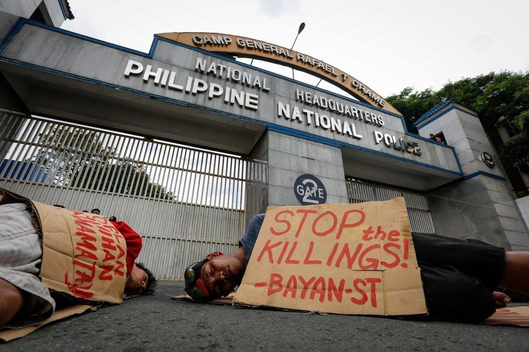 反毒戰爭的擴張讓菲律賓民眾陷入微妙的矛盾情緒。85%的民眾支持杜特蒂的反毒行動,...