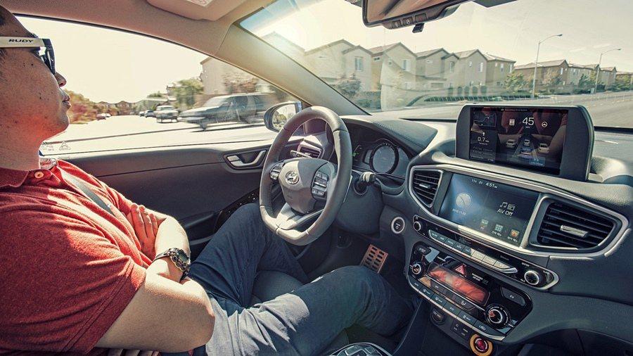獲得南韓政府測試牌照的六家企業與單位的11部自動駕駛車,在九個月測試、行駛26000公里沒有發生任何事故。(示意圖) 摘自Hyundai