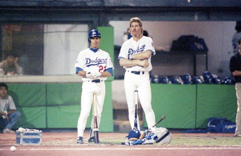 1993年美國道奇隊來台進行友誼賽。右一為中信兄弟新任總教練Cory Snyder。 圖/聯合報系資料照片