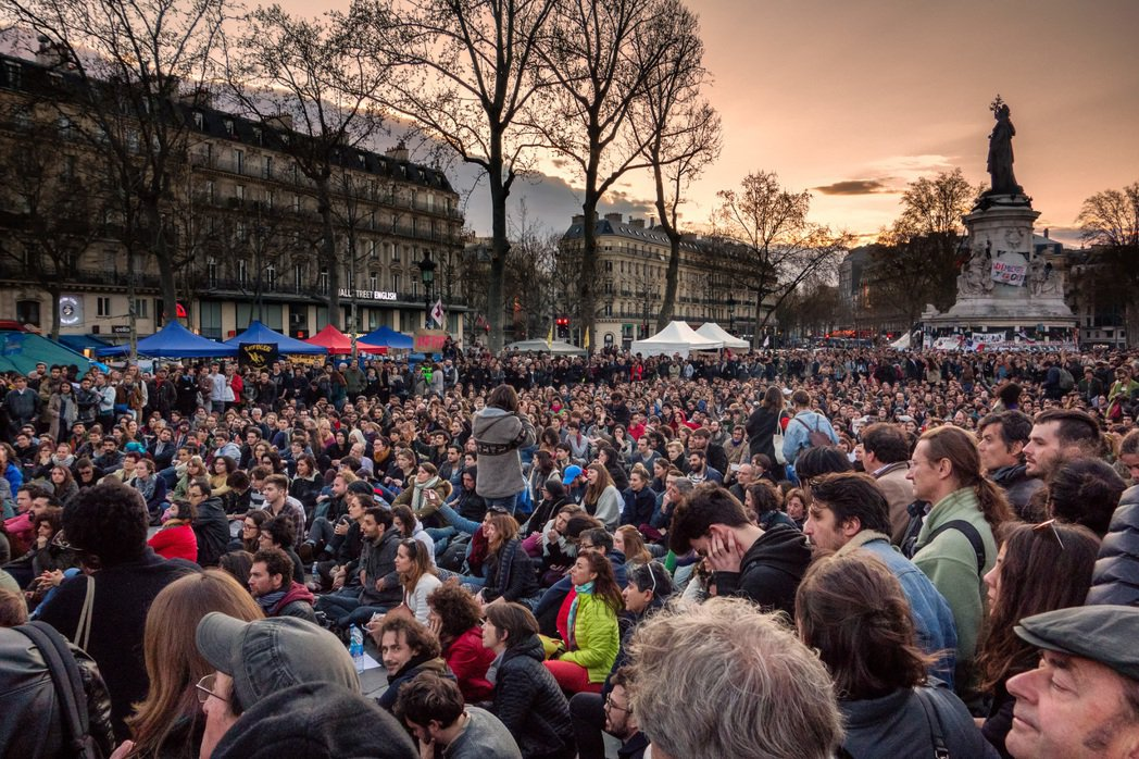 挺身之夜的盛況被部份媒體冠以「法國之春」的名號,群眾影像更成為法國反勞工法抗爭的...
