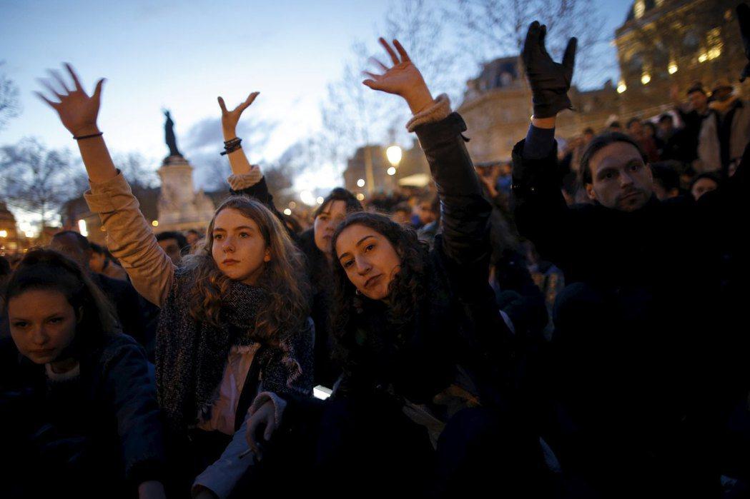 挺身之夜是見證這整個世代對政治想像轉變的表徵。這股潮流或許能帶來解答,亦或帶來災...
