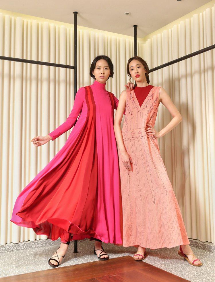 (左)桃紅色塊高領洋裝254,000元、Garavani繫帶涼鞋20,600元;...