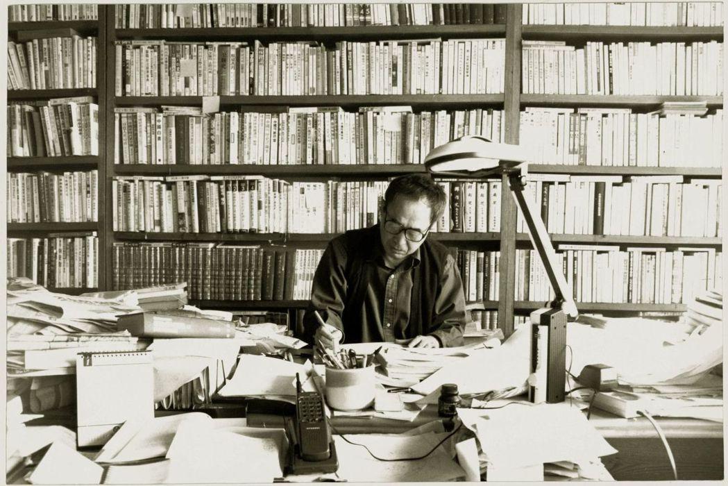 最令人驚訝的名字,莫過於曾多次獲諾貝爾文學獎提名的南韓殿堂級詩人高銀。 圖/高銀...
