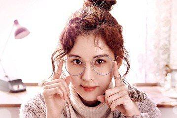 韓國女子組合少女時代成員徐玄將出演On Style網路電視劇「Ruby Ruby Love」女主角。「Ruby Ruby Love」講述了患有社交恐懼症的女主人公李Ruby偶然獲得了「魔法的戒指」的...