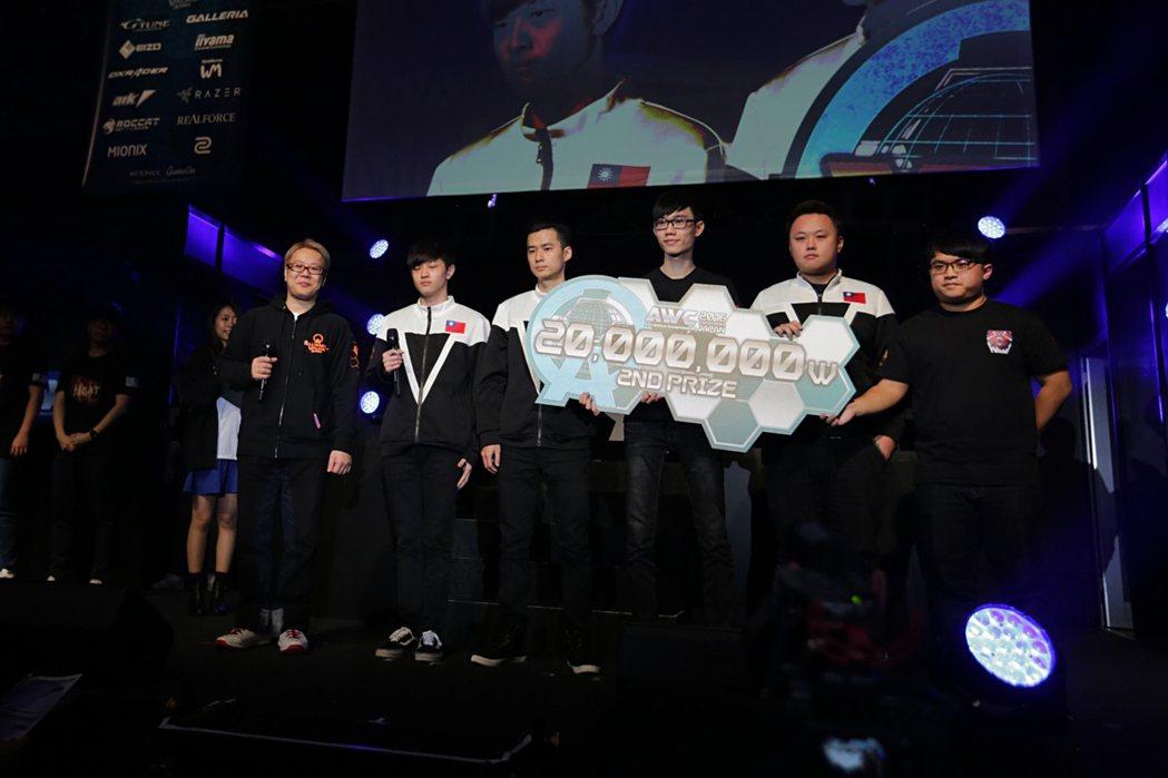 雖敗猶榮的 HL 獲頒亞軍以及 2,000 萬韓圓獎金。