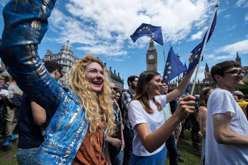今年年中公投過後,留歐派幾次上街大鬧,要求二次公投,然而大勢已去。 圖/法新社