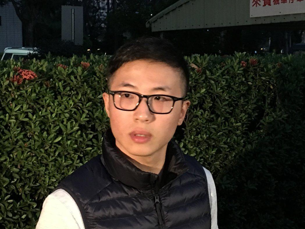 葉冠亨今天下午假釋出獄,面對媒體對被害人家屬説抱歉。聯合報系記者藍凱誠/攝影