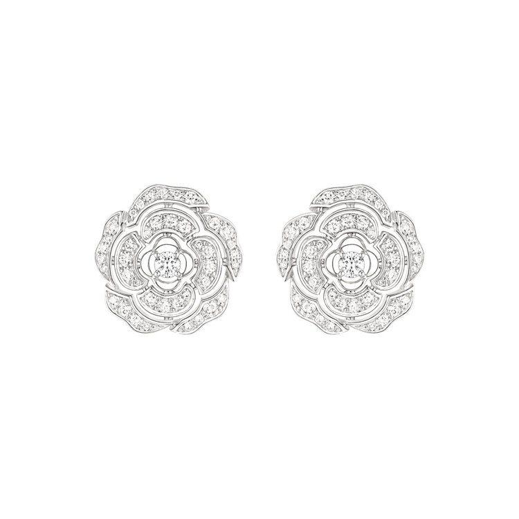 Bouton de Camélia 耳環,18K白金,鑲嵌82顆總重0.65克拉...