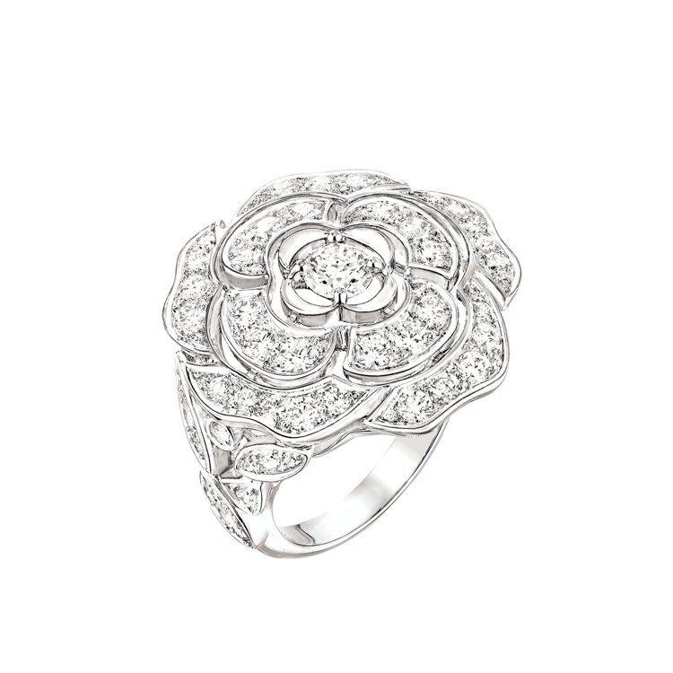 Bouton de Camélia 戒指_大型款,18K白金,鑲嵌70顆總重1....