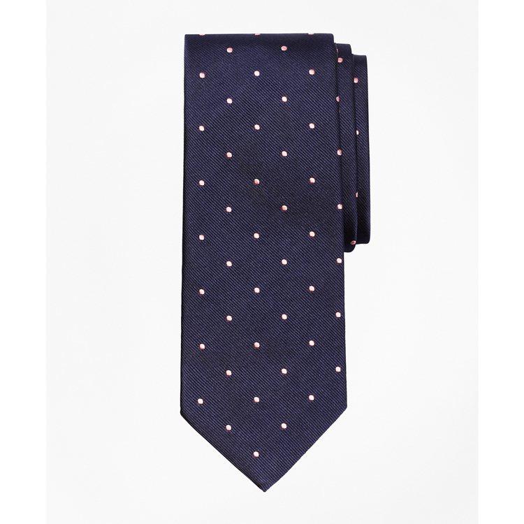 Brooks Brothers 粉紅圓點提花絲織領帶,2,990元。圖/Broo...