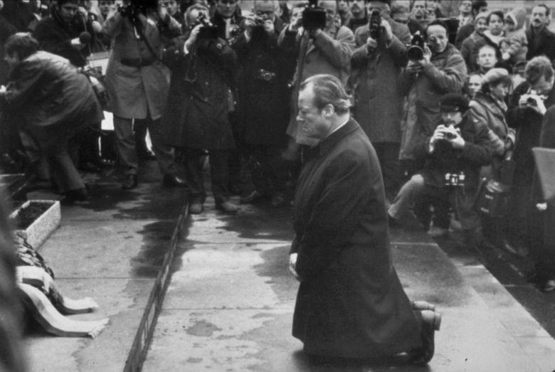 1970年,德國總理布蘭特(Willy Brandt)訪問波蘭,他在華沙的猶太人...