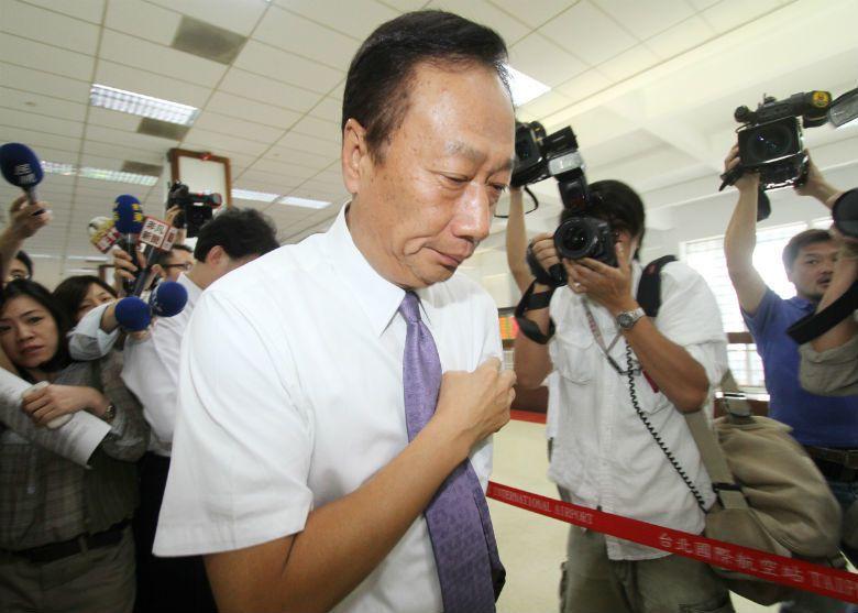2010年富士康公司連續發生十餘起員工跳樓自殺事件,董事長郭台銘也曾為員工自殺事件道歉。 圖/聯合報系資料庫