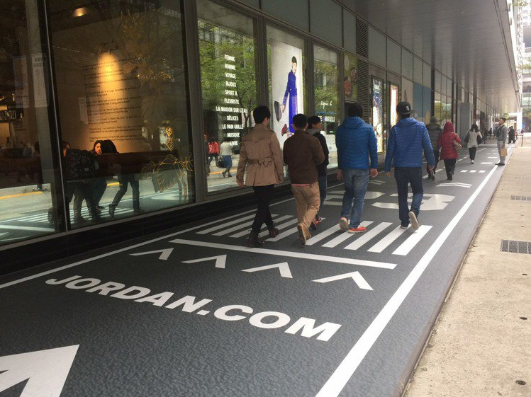 全亞洲最大Jordan旗艦店即將落腳微風松高店,走廊有喬丹飛躍跳投的跑道。記者陶...