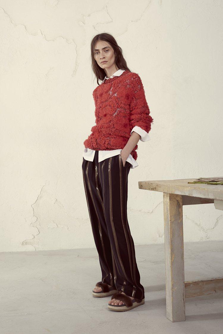 融入男裝輪廓的優雅隨性是BRUNELLO CUCINELLI的女裝特色之一。圖/...