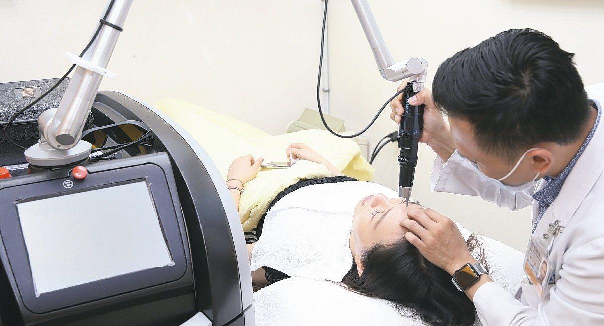 台灣搶食國際醫療服務大餅,外籍旅客詢問度最高的醫療服務為健康檢查、醫學美容和人工...