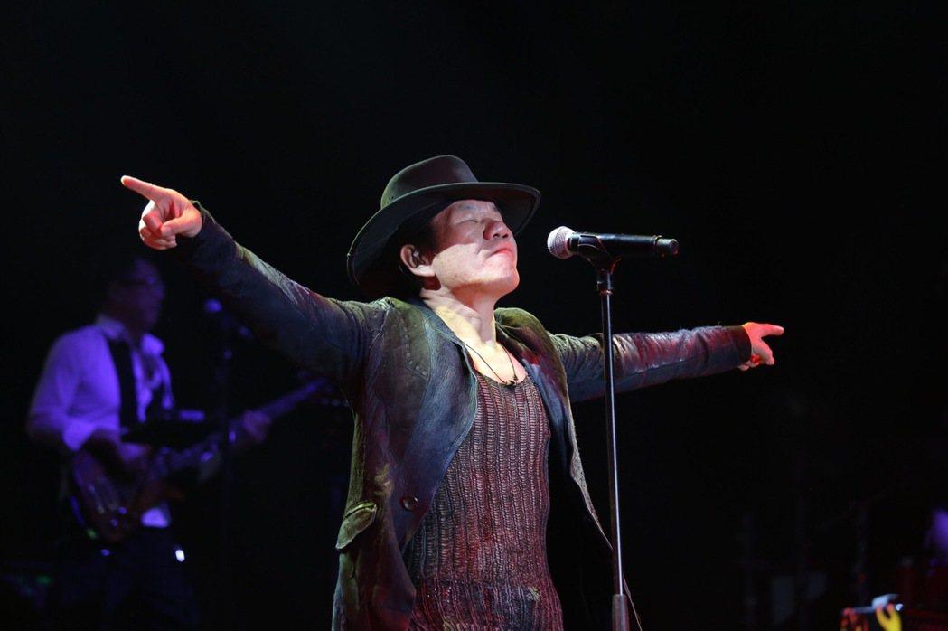 摇滚乐出身的台湾歌手赵传,近年来也是中国大陆歌坛的常客。图/新加坡圣淘沙名胜世界...