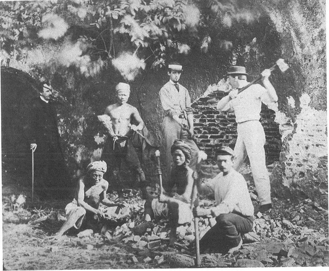 李仙得等人組成的挖寶隊。圖/國立臺灣歷史博物館蒐藏品