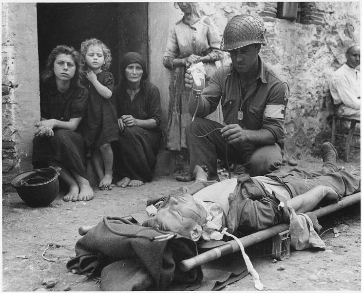 兩次世界大戰後,輸血醫學的進步突飛猛進,此時醫護系統已經有能力選擇輸血的品項。圖...