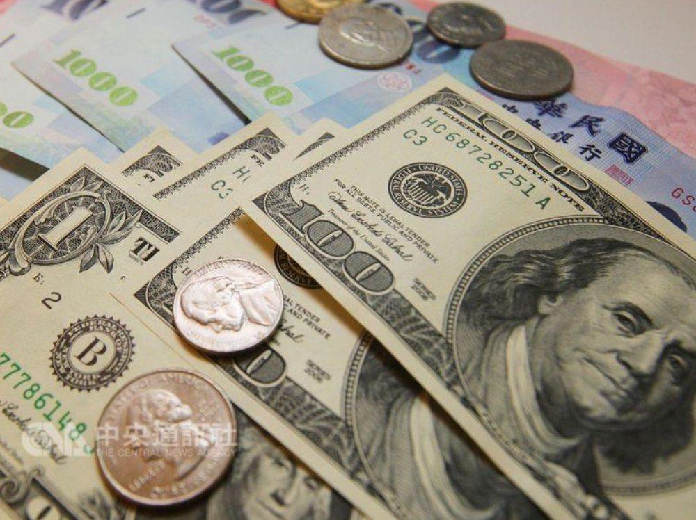 歐元貶值 12月外匯存底連3降01-05 18:56244