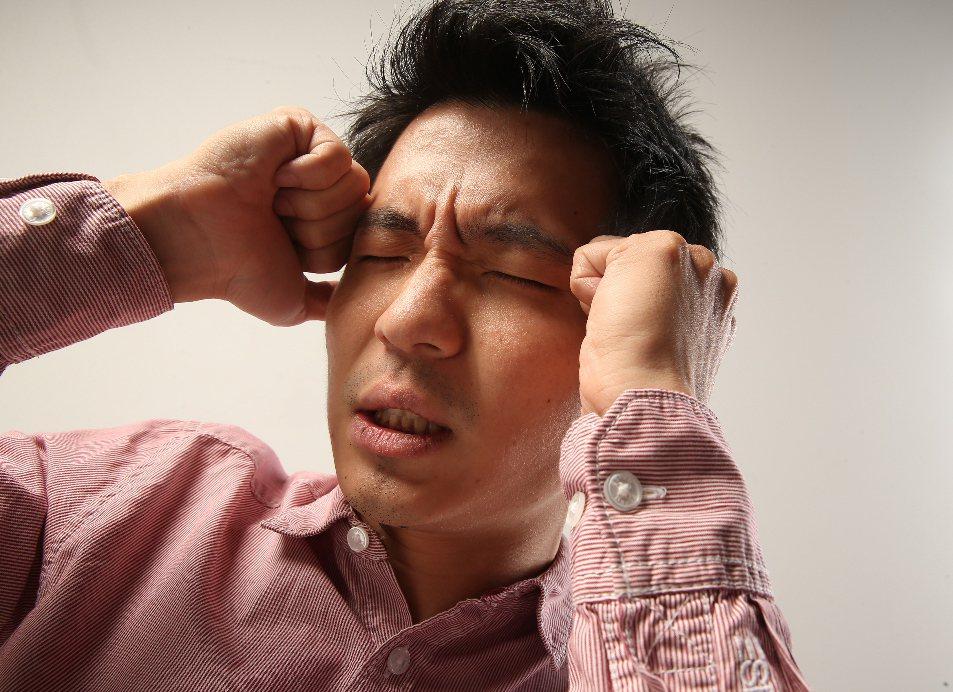低腦壓頭痛又稱自發性顱內低壓頭痛或腦脊髓液低容量頭痛。 圖/聯合報系資料照片