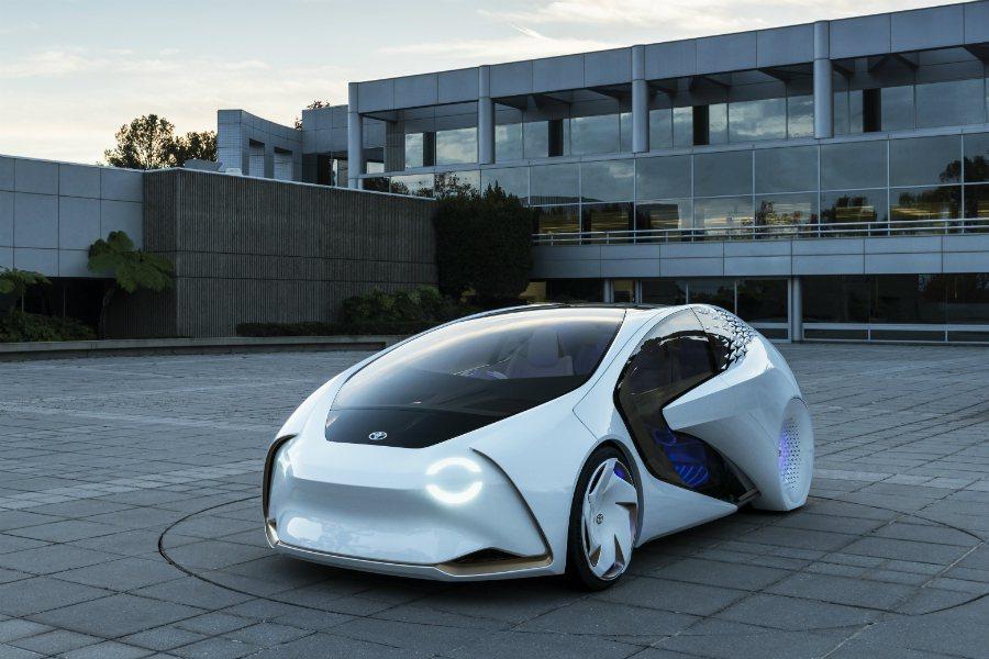 Toyota 於 2017 CES 展上推出一部搭載先進 AI 人工智慧的概念車 ─ Concept-i。 摘自 Toyota