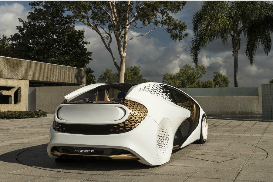 Concept-i 概念車搭載的 Yui 人工智慧系統可透過視覺與觸覺的刺激將行...