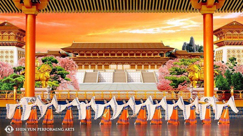 神韻藝術團透過舞、樂、衣、幕的完美搭配,創造最能代表中國古典藝術的經典。 圖╱神...