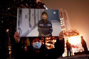 【再寫韓國】「送朴迎新」示威聲中,未決的總統大選日