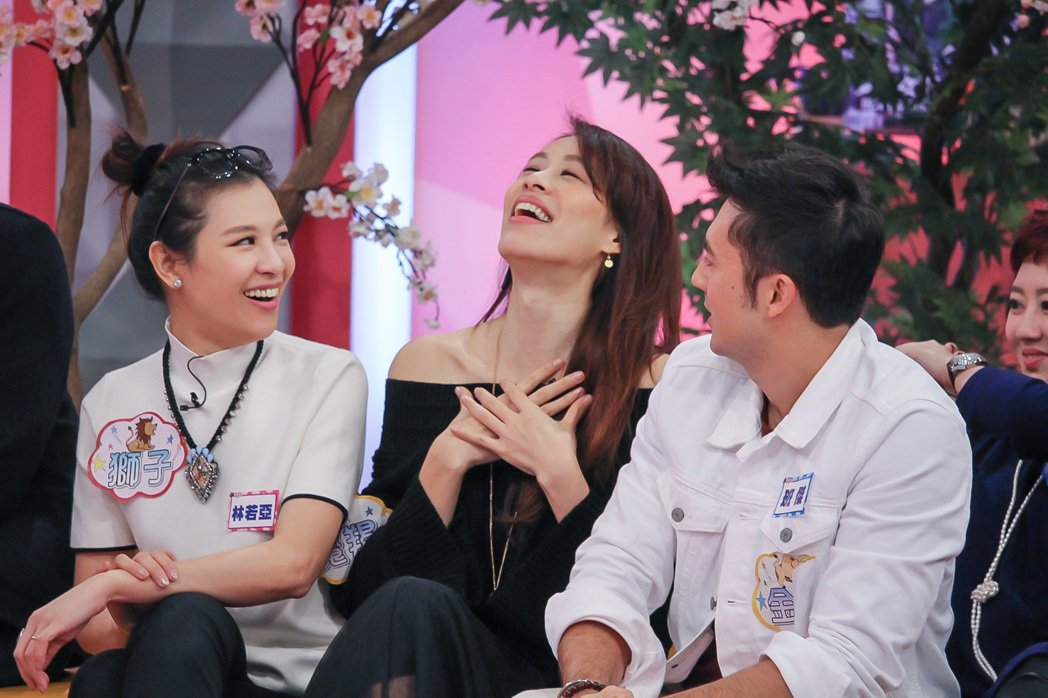 林若亞(左起)才新婚,倪雅倫則獨守空閨,班傑最近戀情不斷。圖/TVBS提供