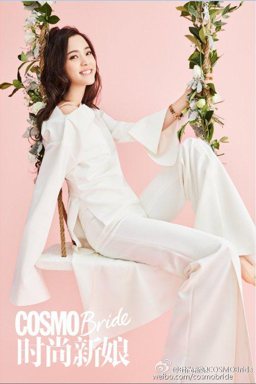 娜娜在畫報中展現不同層次的女人味。圖/摘自時尚新娘COSMO Bride微博