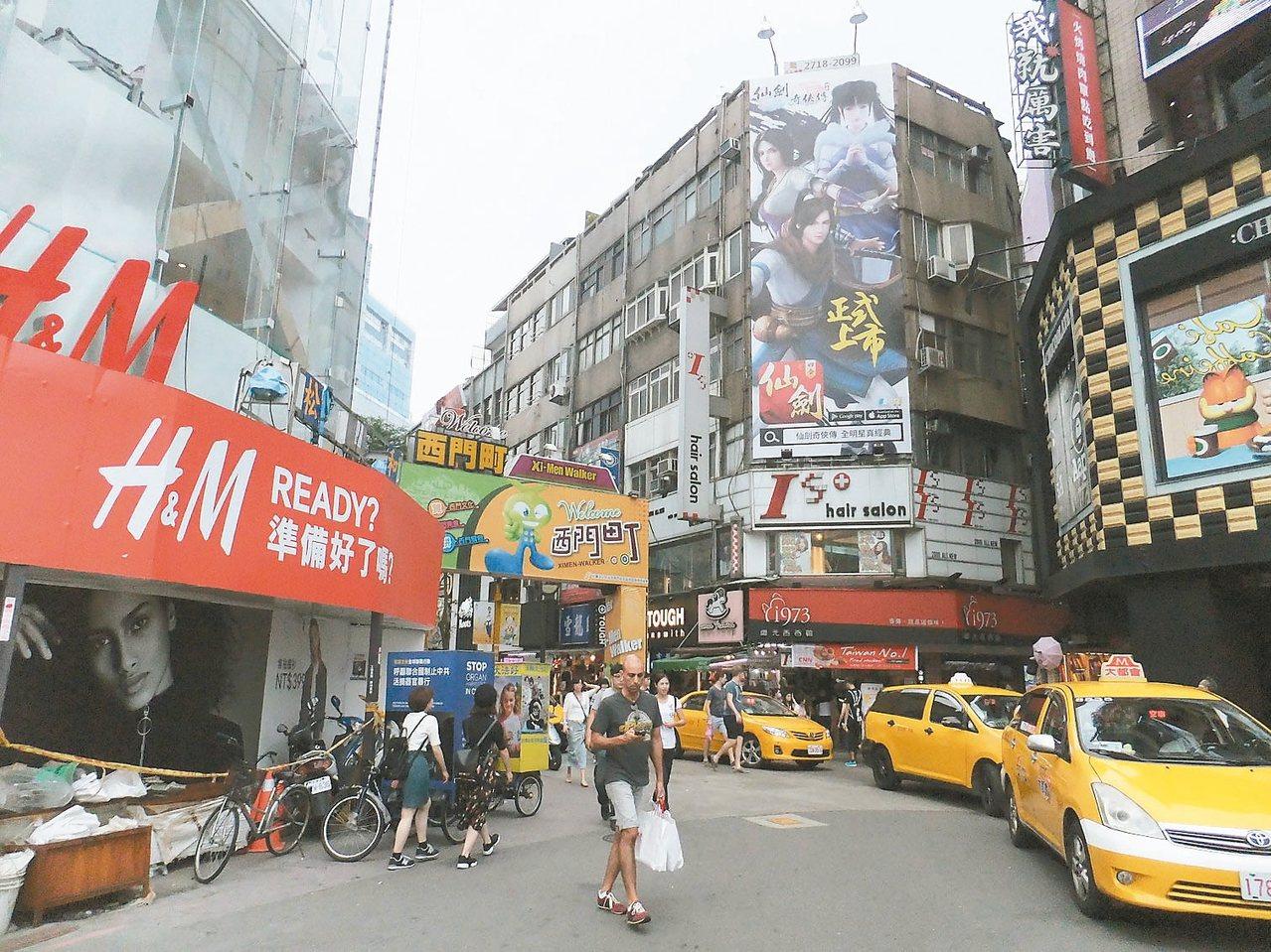柯市府大力推動西區門戶計畫,預料今年兩大商圈熱度居高不下。 記者游智文/攝影