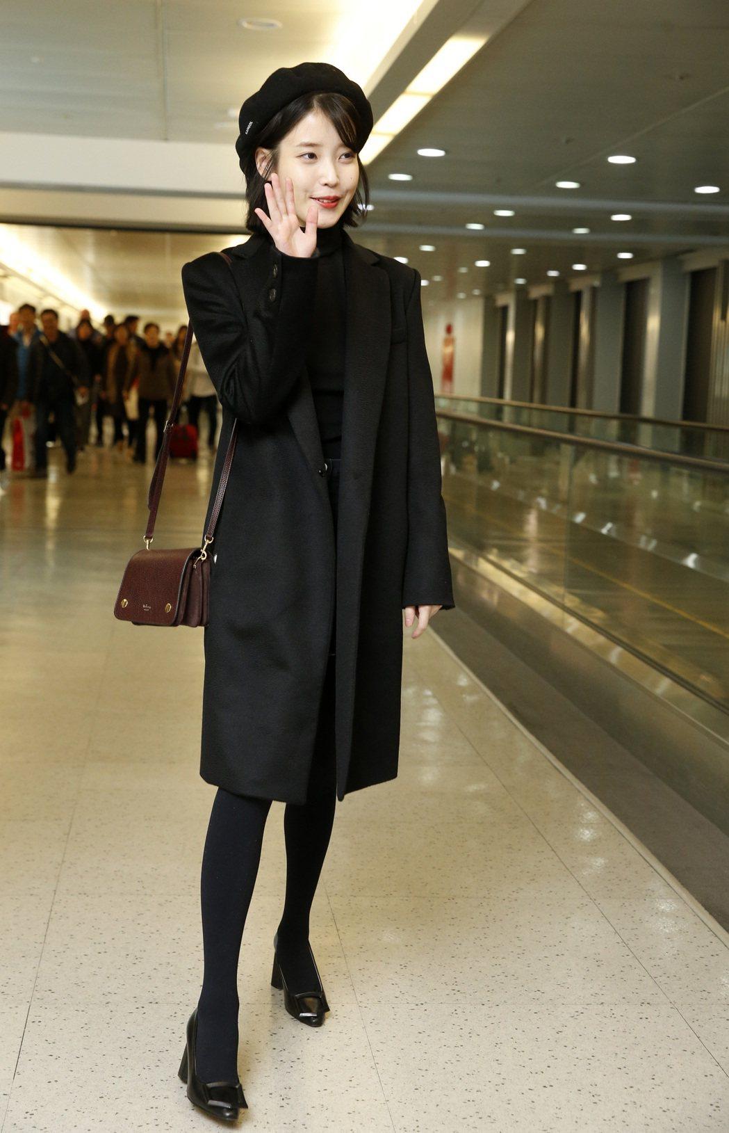 韓星IU中午搭機抵達桃園機場。記者鄭超文/攝影