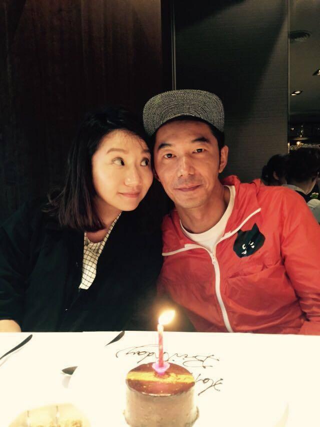 陶晶瑩分享與老公李李仁慶生美照,Q嫩顏值獲讚「美妹」。圖/摘自臉書