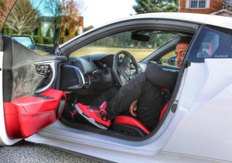 玩命關頭知名影星 購入Acura NSX超開心!