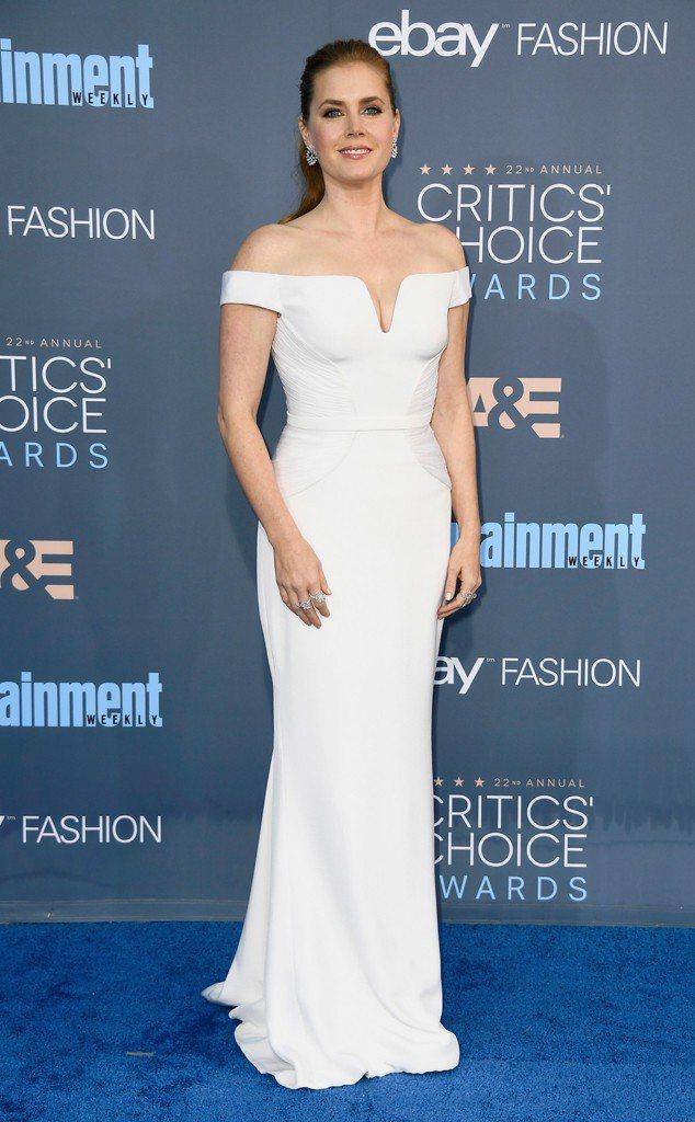 艾美亞當斯入圍金球獎電影劇情類女主角。圖╱摘自E!Online