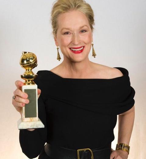 梅莉史翠普獲得金球獎終身成就獎,並入圍電影音樂及喜劇類女主角。圖╱摘自golde...