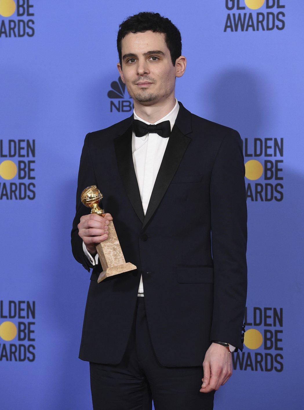 《樂來越愛你》的達米恩查澤雷獲金球獎電影類最佳導演。 圖/美聯社