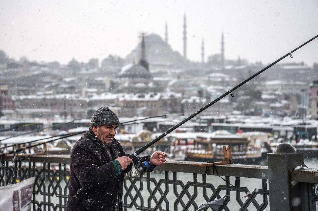 急凍歐洲:土耳其的伊斯坦堡。 圖/法新社